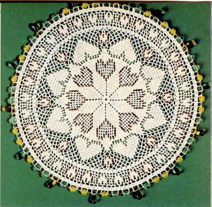 Beaded crochet lace hearts mat from Magic Crochet #44