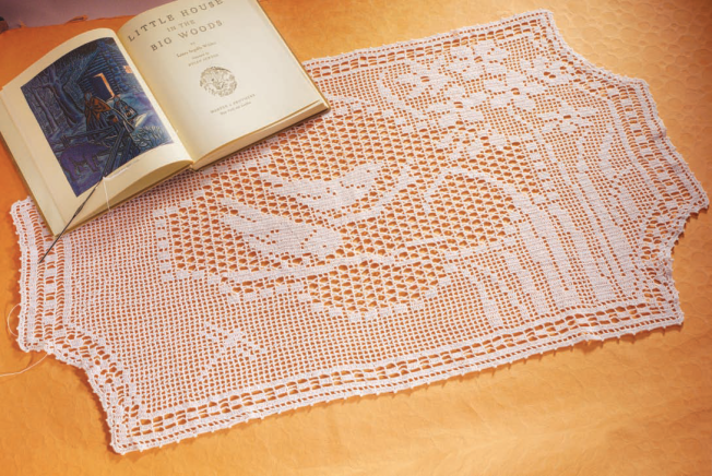 Laura Ingalls Wilder's Filet Crochet - Piecework Magazine May/June 2008: Fiber Art Reflections