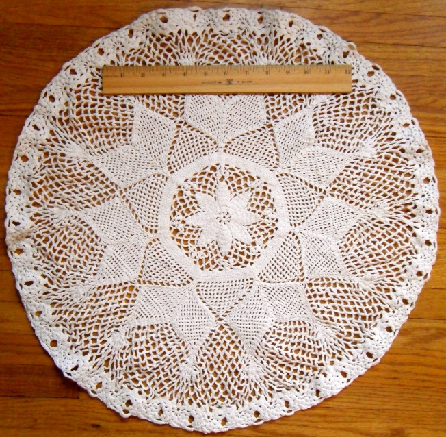 Lace crochet mat: Fiber Art Reflections